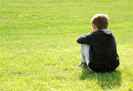 Những khó khăn trong giao tiếp với trẻ tự kỷ